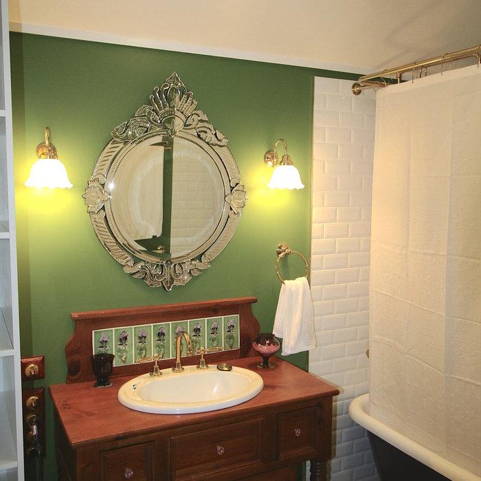 New Heritage Bathroom in Corinda