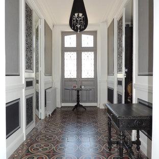 Aménagement d'une grande maison classique.