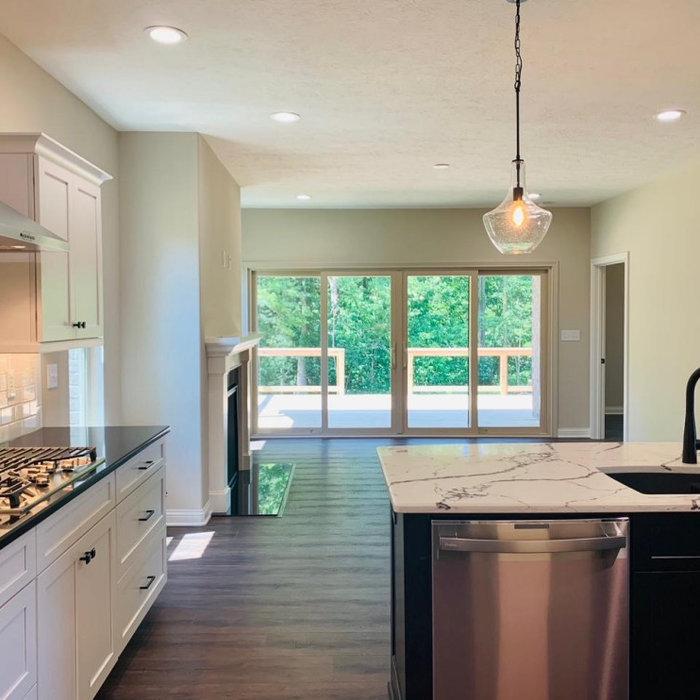 Home design - transitional home design idea