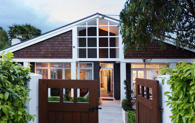 Houzz Tour: Step-By-Step Additions Enhance a Tauranga Gem