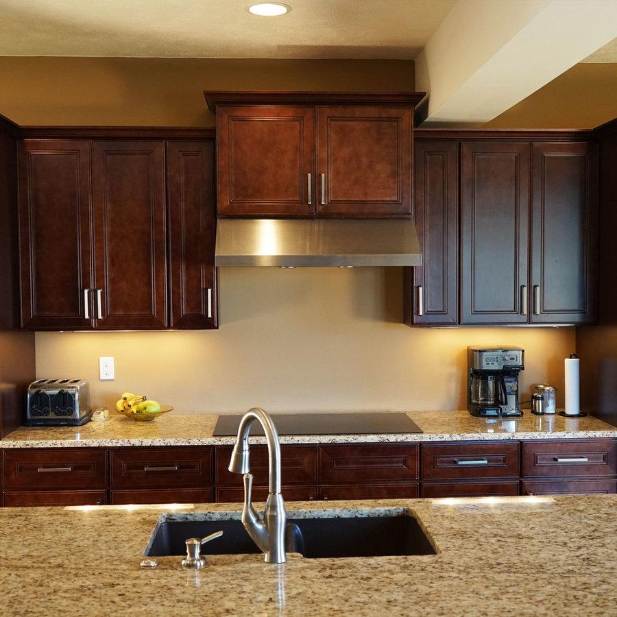 Leo Saddle Cherry Mahogany Kitchen Cabinets w/ Soft Close ...