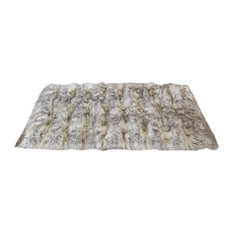 Luxe Faux Fur Accent Rug, Kitt Fox