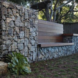 Moderner Garten hinter dem Haus in San Luis Obispo