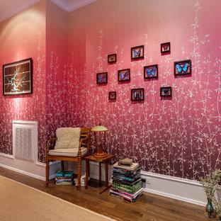 На фото: коридоры среднего размера с розовыми стенами, темным паркетным полом и коричневым полом
