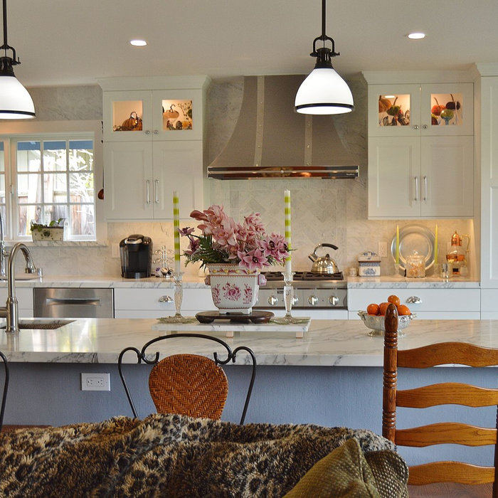 Inspiration for a large transitional home design remodel in San Francisco