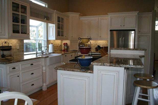 23 inspiring real life kitchens for Quad level home remodel