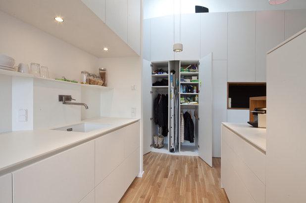 stauraum nach ma f r eine dachgeschosswohnung in m nchen. Black Bedroom Furniture Sets. Home Design Ideas