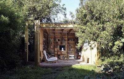 こんなところで仕事がしたい! 裏庭に建てたホームオフィス用の小屋