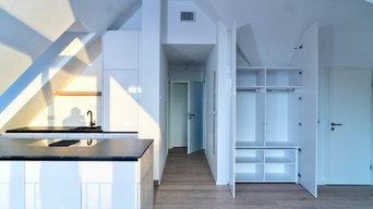 Moderne Küche unter der Dachschräge