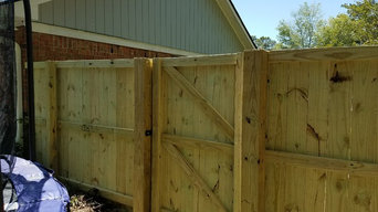 6 ft privacy fence with top trim rail