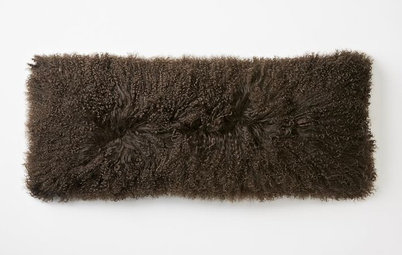 Guest Picks: Warm and Fuzzy Accessories for Fall