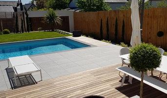 Création d'un espace piscine dans un jardin
