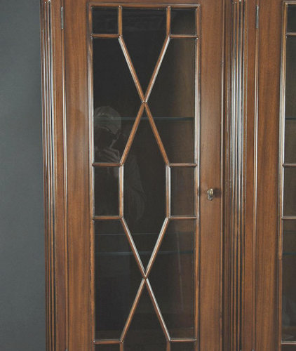 Ball and Claw Flame Mahogany China Cabinet with Bullnose Edge (K NDRC 020)