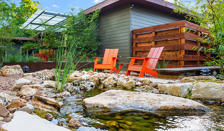 Houzz Tour: A River Passes Through This Home's Serene Yard