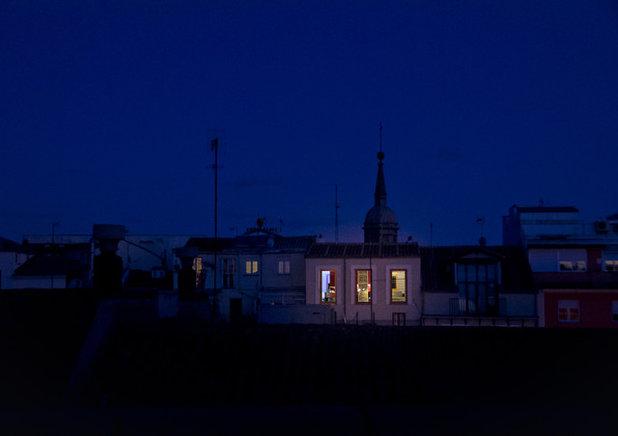 Visita privada: Un ático rehabilitado en Madrid que atrae la luz