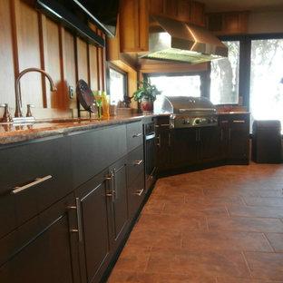 Küchen mit Rückwand aus Holz und Travertin Ideen, Design ...