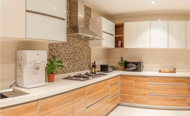 Modern Kitchen by Kumar Moorthy & Associates
