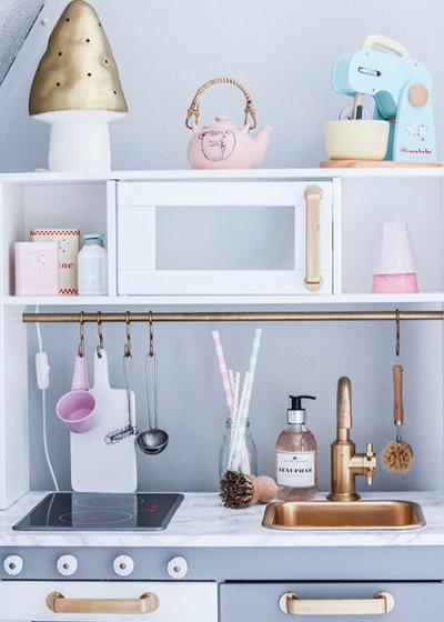 Ikea hack tante idee per personalizzare la cucina gioco - Cucina in legno per bambini ikea ...