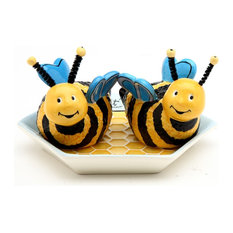 Bee Hive Salt and Pepper Shakers With Plate, Set of 2