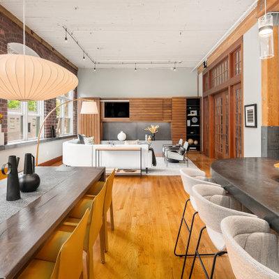 Urban home design photo in Seattle