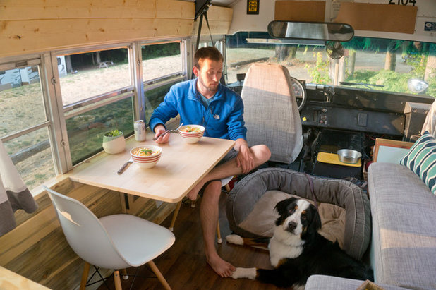 Adventure Seekers Hit the Road in a Cozy Schoolbus Home
