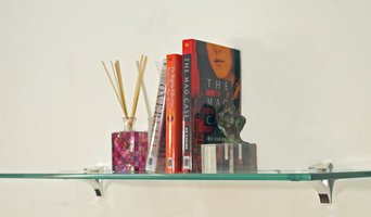 Cardinal Floating Glass Shelf Kit