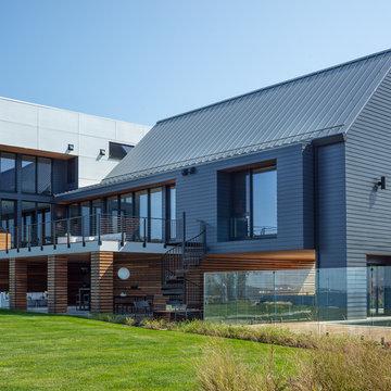 Modern Home Design Facilitates Indoor-Outdoor Living