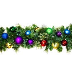 Traditional Wreaths And Garlands by Queens of Christmas