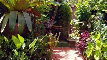 Intimate Tropical Retreat