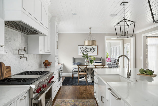 Transitional  by Designstorms LLC