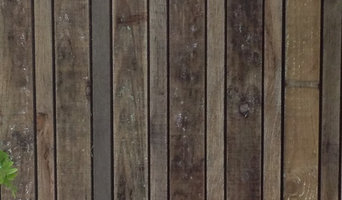decorative boundary timber fence