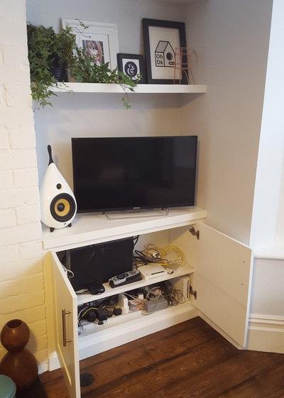Modern Living Room by Freebird Interiors