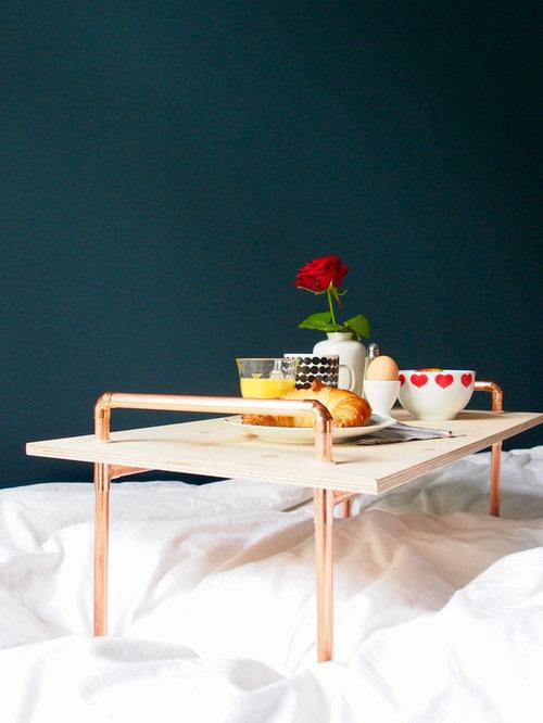 diy tablett f r das fr hst ck im bett aus kupferrohren. Black Bedroom Furniture Sets. Home Design Ideas