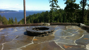 Custom Flagstone Patio with Fire Pit