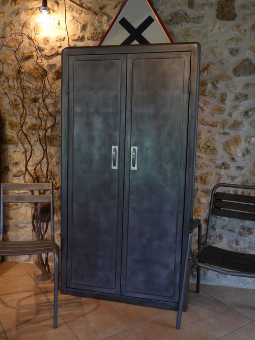armoire ancienne m tal de cuisine ann es 50. Black Bedroom Furniture Sets. Home Design Ideas