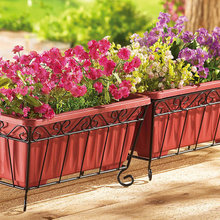 Guest Picks: Garden Planters and Ornaments for a Small Space