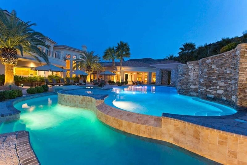 Weiss Residence