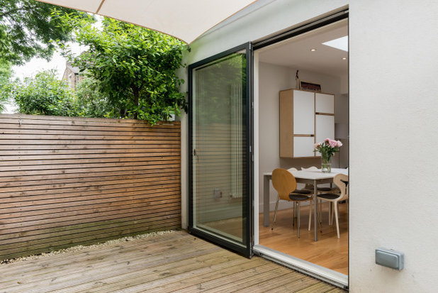 Contemporary  by Alpex Architecture