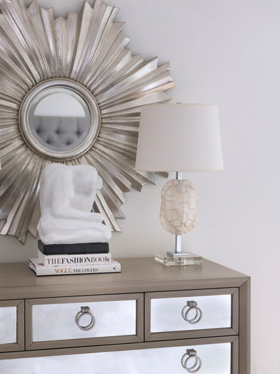 Decorating 101 the abcs of arranging vignettes for Interior decorating vignettes