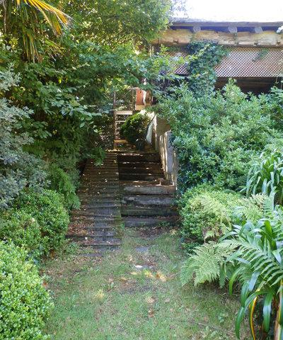 Escaleras de jard n 8 ideas sugerentes para salvar desniveles - Escaleras para jardin ...