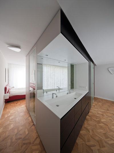 Modern  by wiewiorra hopp schwark architekten