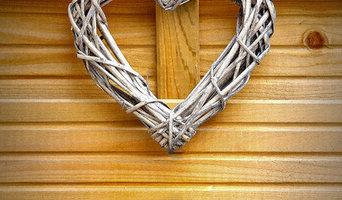 Coeur de décoration en bois tressé.