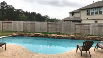 Pool with Retention wall