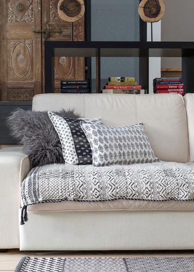 Tappezzeria per divani awesome tessuti per divani online with tappezzeria per divani best - Tappezzare divano costo ...