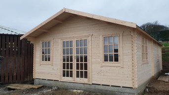 Large Office For Bowen Race Horse Trainer