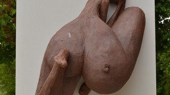 Femme à l'Amonite (52x35x74cm) Grès sur Médium