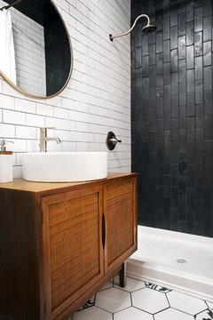 Help with designing around a gray bathtub & toilet
