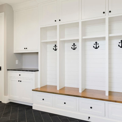 Inspiration for a coastal home design remodel in Minneapolis