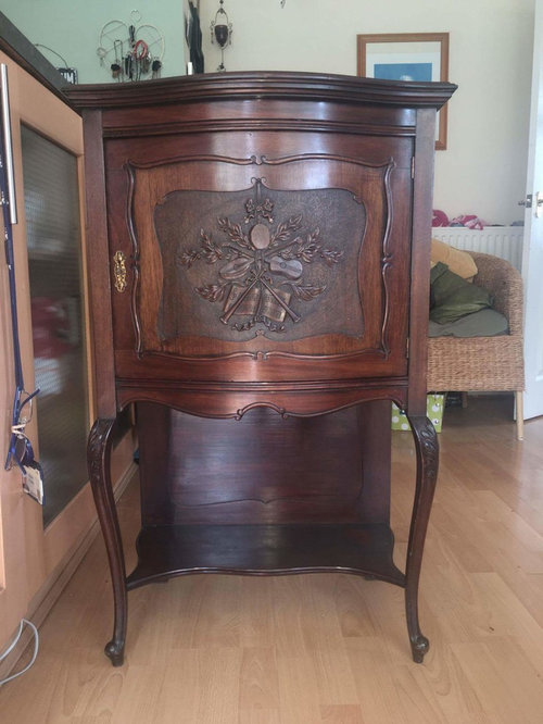 Loved it, but now selling and unsure if antique or repro? Being asked  questions i cannot answer. Dont want to sell too cheap or too much!! Any  advice? - Antique Pot Cupboard