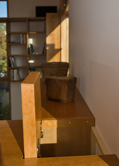 Contemporary  Houzz Tour: Building Up to a View in Berkeley
